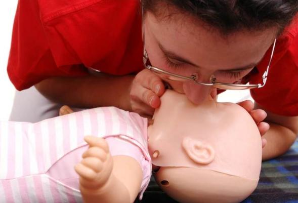 Memahami Resusitasi Bayi dan Cara Melakukannya