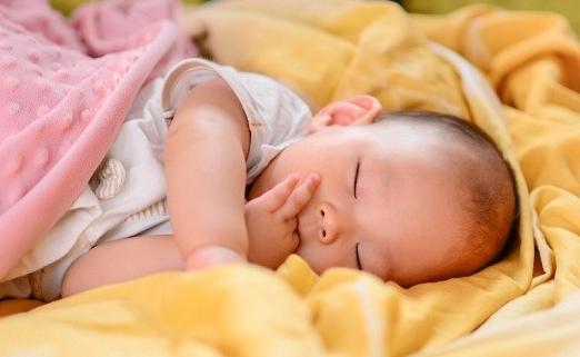 Memilih Obat Anti Nyamuk yang Aman untuk Bayi