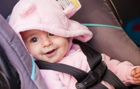 Tips Membawa Bayi Bepergian Jauh