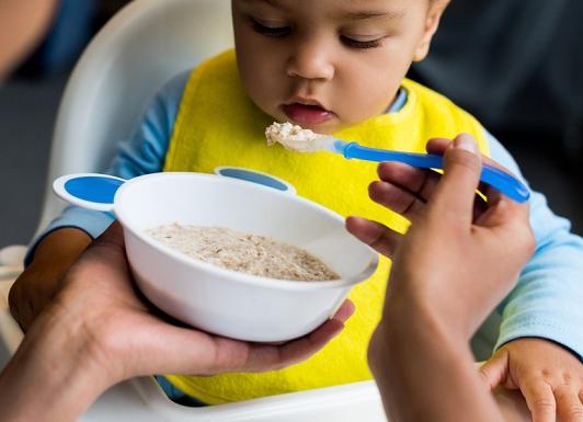 Bubur Bayi Instan atau Bubur Bayi Buatan Sendiri