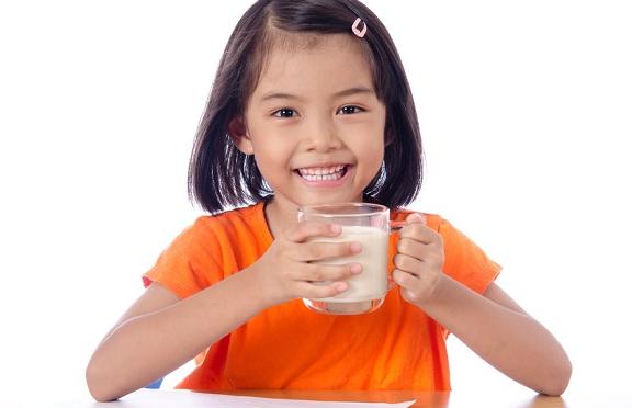 Ketahui Beragam Manfaat Susu Soya untuk Anak